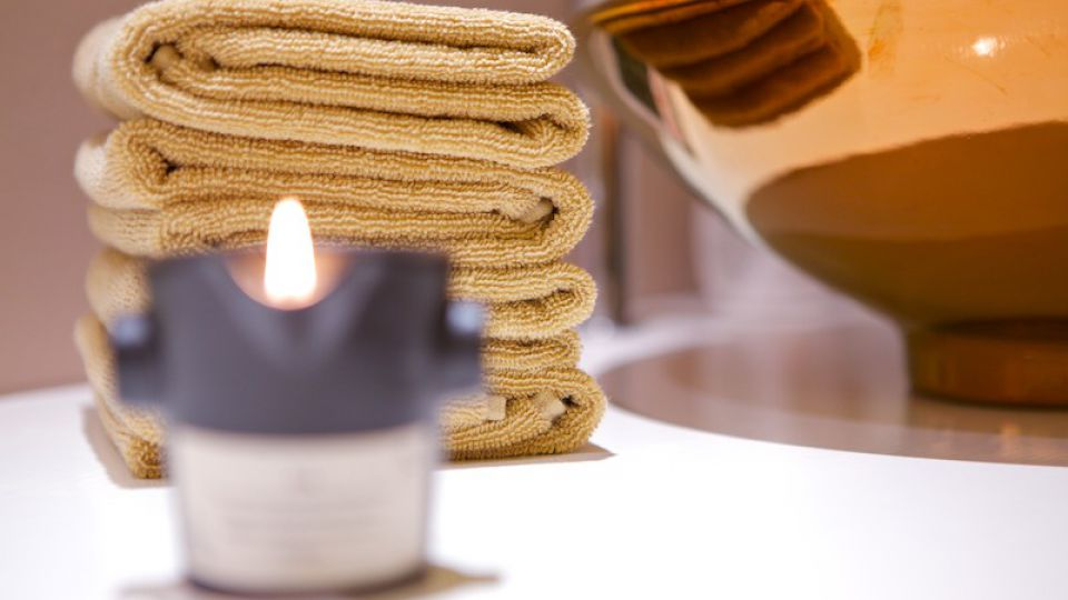 Hot Stone-Massage | 50 Minuten