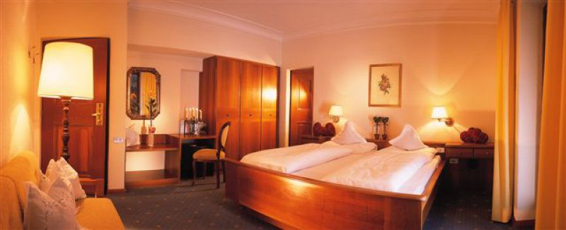 - Confortevole camera in stile rustico