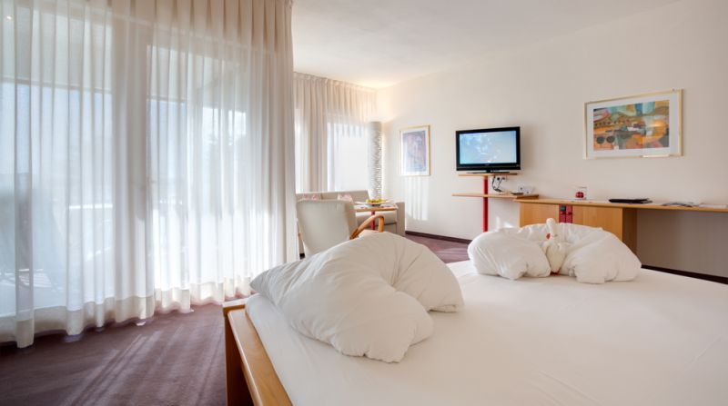 - Elegant Junior Suite