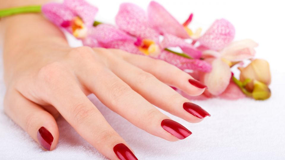 MANICURE WITH NAIL POLISH