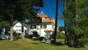 Schlossgut Oberambach GmbH