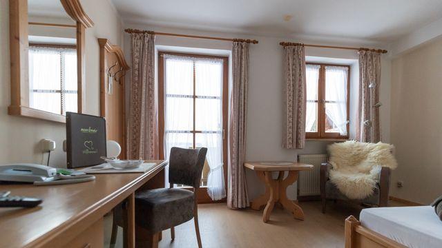 "Comfort Single Room ""Holunder"" with Balcony"