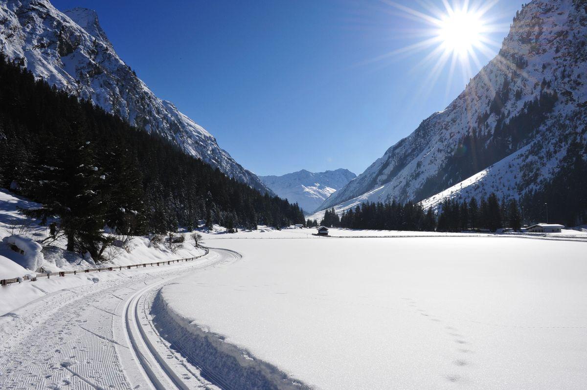 Spuren im Schnee | 7 Nächte