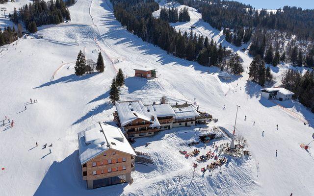 Biohotel Mattlihüs im Winter - mitten im Skigebiet Oberjoch