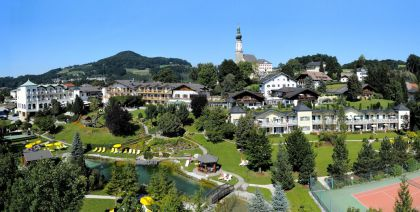 Best Wellness Hotel Gmachl in Bergheim im Sommer