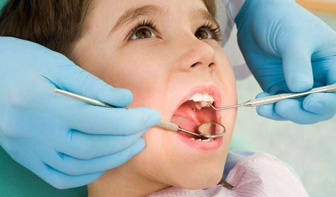 Zahnärztliche Prophylaxe für Kinder und Jugendliche