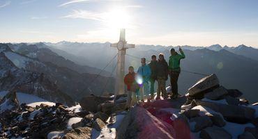 SUNRISE on the Schwarzenstein summit 3369m