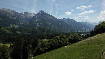 Gipfelglück mit 400-Gipfel-Blick - Bergticket gratis